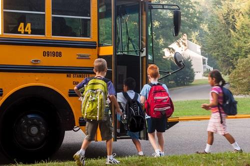 Service de transport scolaire en autocar